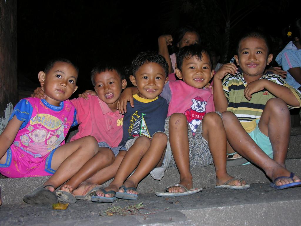 speak with Indonesian children